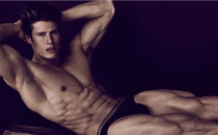 Male Model Eian Scully