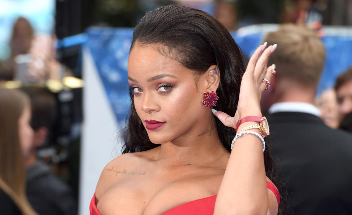 Rihanna lesbisk sex stor svart kuk klubb