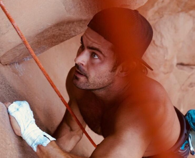 Our 10 Favorite Zac Efron Instagram Photos of 2018 2