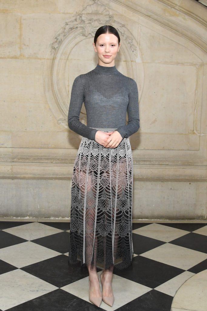 Mia Goth Christian Dior : Photocall - Paris Fashion Week - Haute Couture Spring Summer 2019