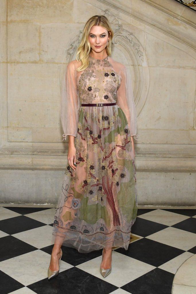 Karlie Kloss Christian Dior : Photocall - Paris Fashion Week - Haute Couture Spring Summer 2019