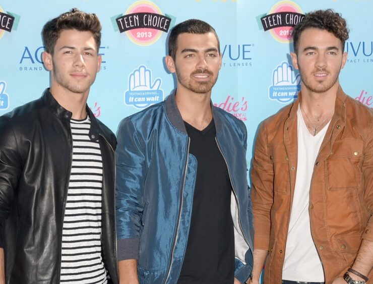 The Jonas Brothers Teen Choice Awards 2013 - Arrivals