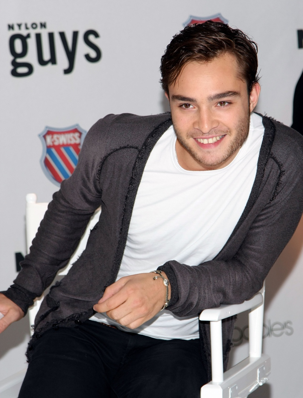 Ed Westwick Has Clueless Patron Thrown Out of Restaurant ...