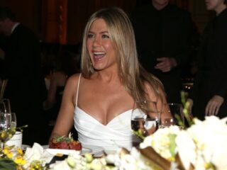 Jennifer Aniston 40th AFI Life Achievement Award Honoring Shirley MacLaine - Backstage And Audience