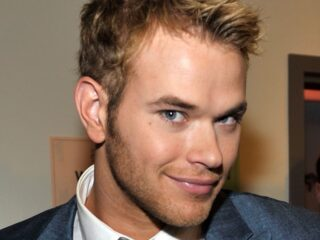 Kellan Lutz People's Choice Awards 2010 - Inside