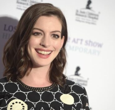 Anne Hathaway LA Art Show And Los Angeles Fine Art Show's 2016 Opening Night Premiere Party Benefiting St. Jude Children's Research Hospital - Arrivals