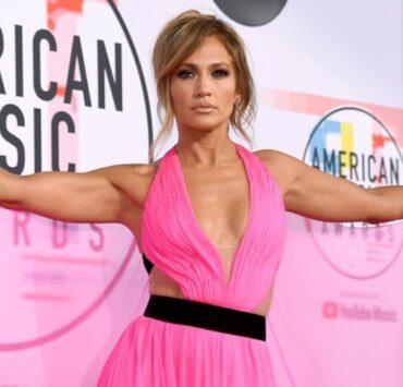 Jennifer Lopez 2018 American Music Awards - Red Carpet