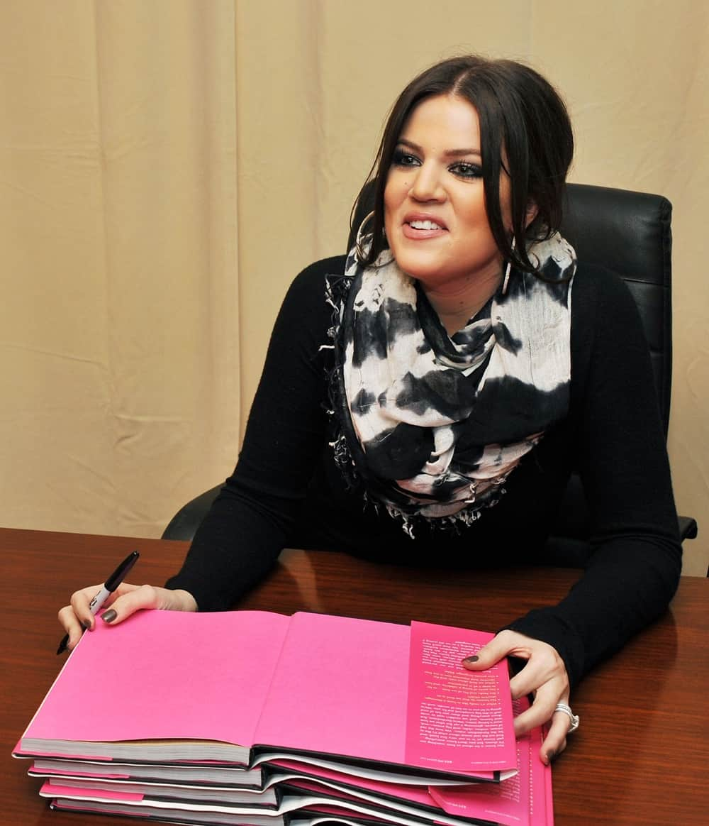 "Kim, Khloe & Kourtney Kardashian Sign Copies Of ""Kardashian Konfidential"""