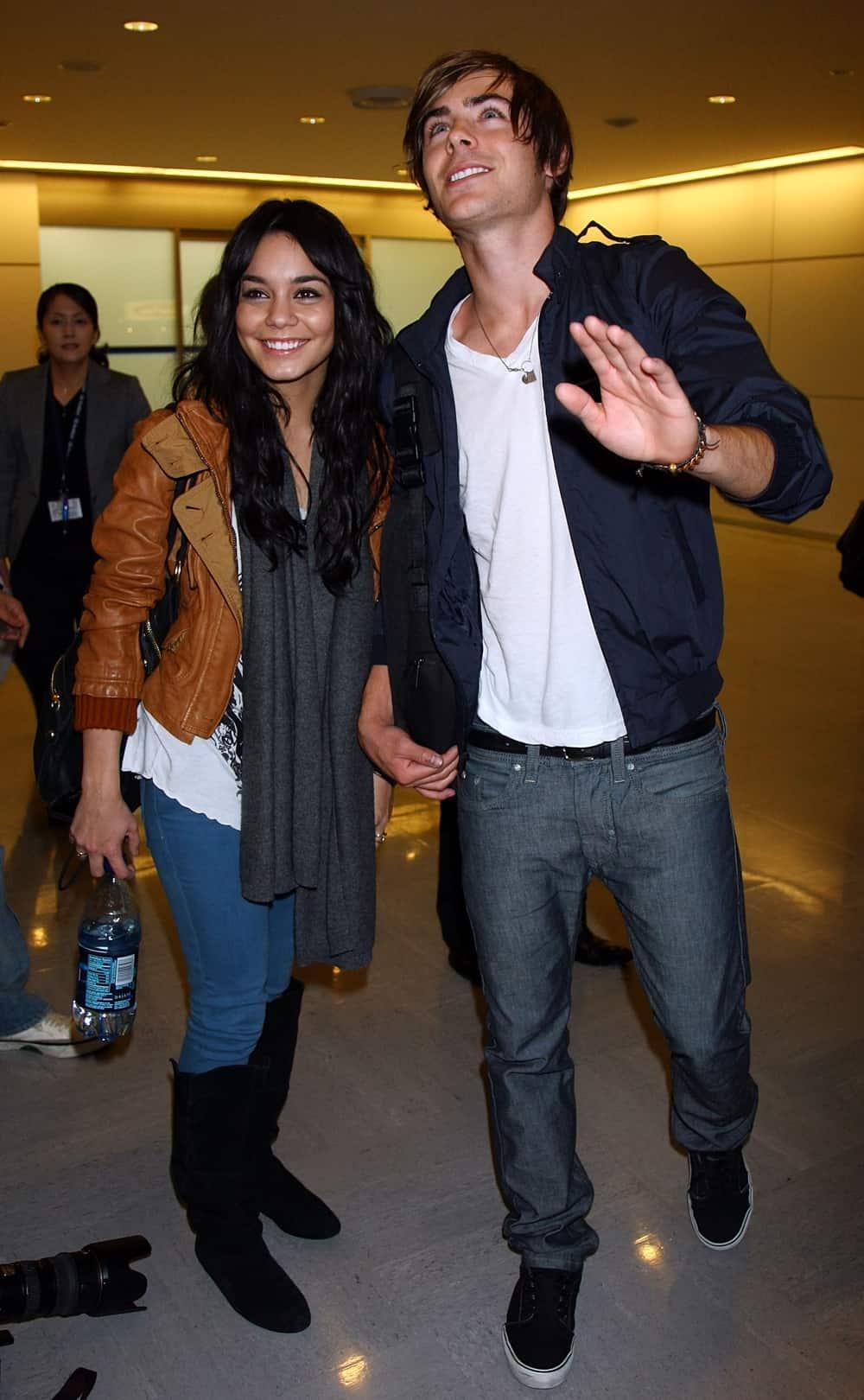 Zac Efron And Vanessa Hudgens Arrive In Japan