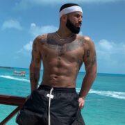 Drake Six Pack