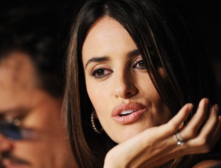 """Penelope Cruz """"Pirates of the Caribbean: On Stranger Tides"""" Press Conference - 64th Annual Cannes Film Festival"""
