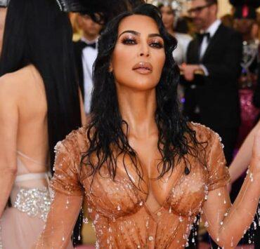 Endnotes: Kim Kardashian to Change Kimono Shapewear Name After Huge Online Backlash and More News 4