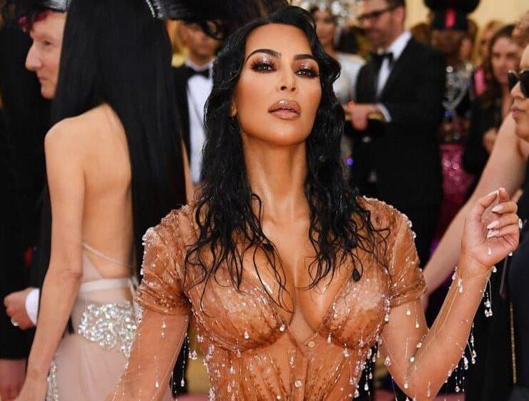 Endnotes: Kim Kardashian to Change Kimono Shapewear Name After Huge Online Backlash and More News 1