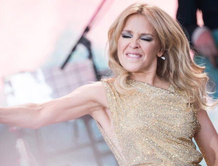 Kylie Minogue's Sheds Tears of Joy as She Finally Plays Glastonbury 4