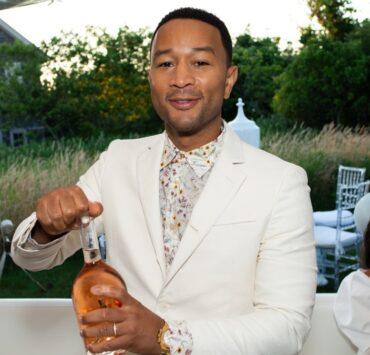 Hamptons Magazine Hosts Chic At The Beach With John Legend
