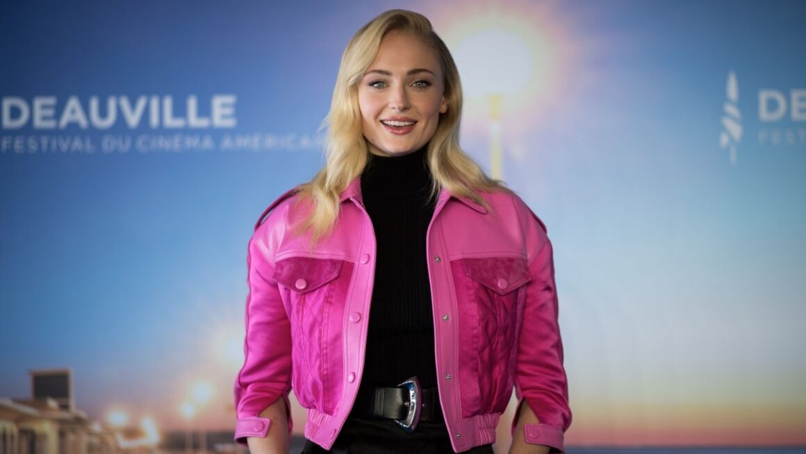 Sophie Turner Is NOT a Fan of Social Media Influencers Who Promote Weight Loss Products