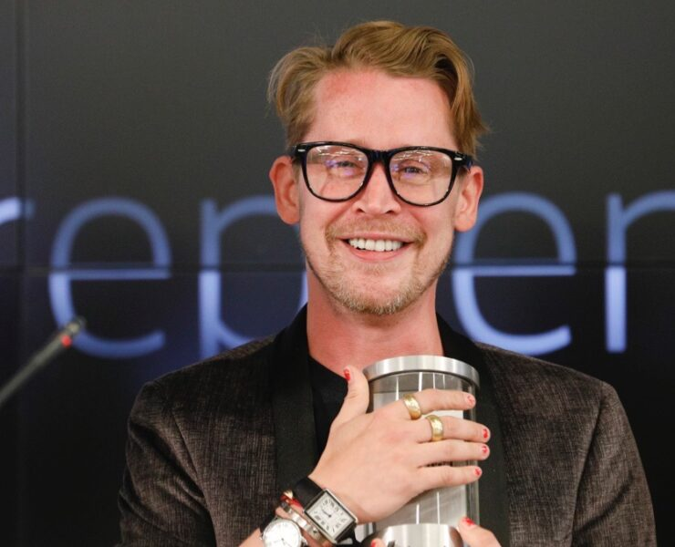 Macaulay Culkin and Stewart Miller, co-founders of Lifestyle Media Bell Ringers of the Nasdaq Closing Bell from the Nasdaq Entrepreneurial Center in San Francisco, joined by the Graduating Class of the Lehigh Startup Academy