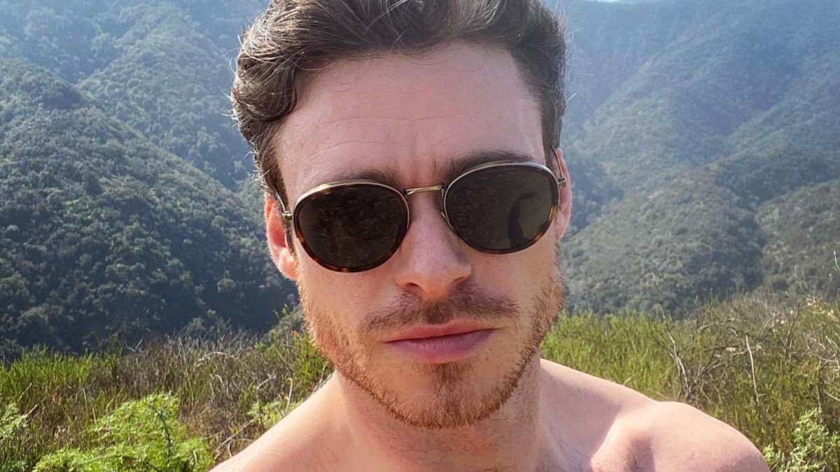 Richard Madden shirtless