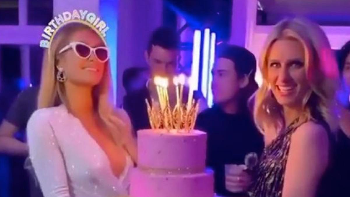 Superb Paris Hilton Turns 39 Parties With Kim And Kourtney Kardashian Funny Birthday Cards Online Fluifree Goldxyz