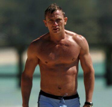 Daniel Craig films Casino Royale in the Bahamas
