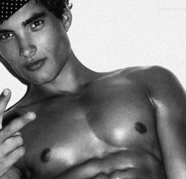 Model Joe Bruzas