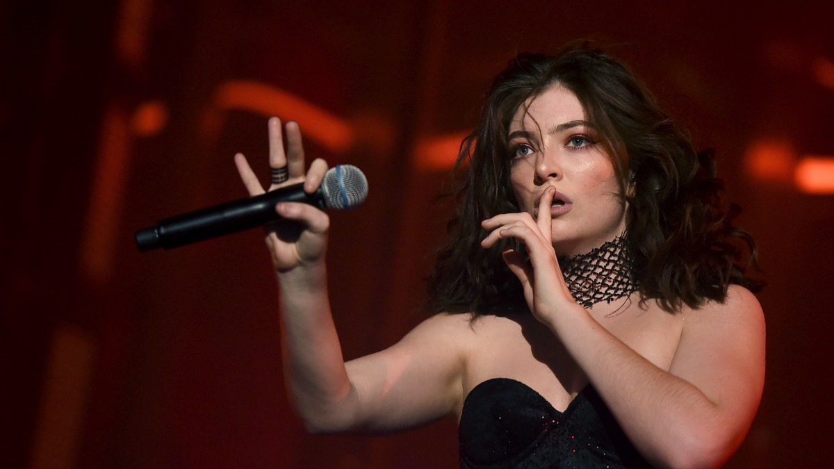 Lorde 2017 Coachella Valley Music And Arts Festival - Weekend 2 - Day 3
