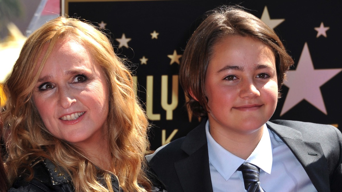 Melissa Etheridge posing with her son Beckett