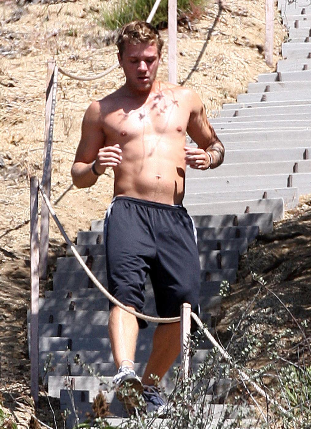 A shirtless Ryan Phillippe works out in the Hollywood Hills