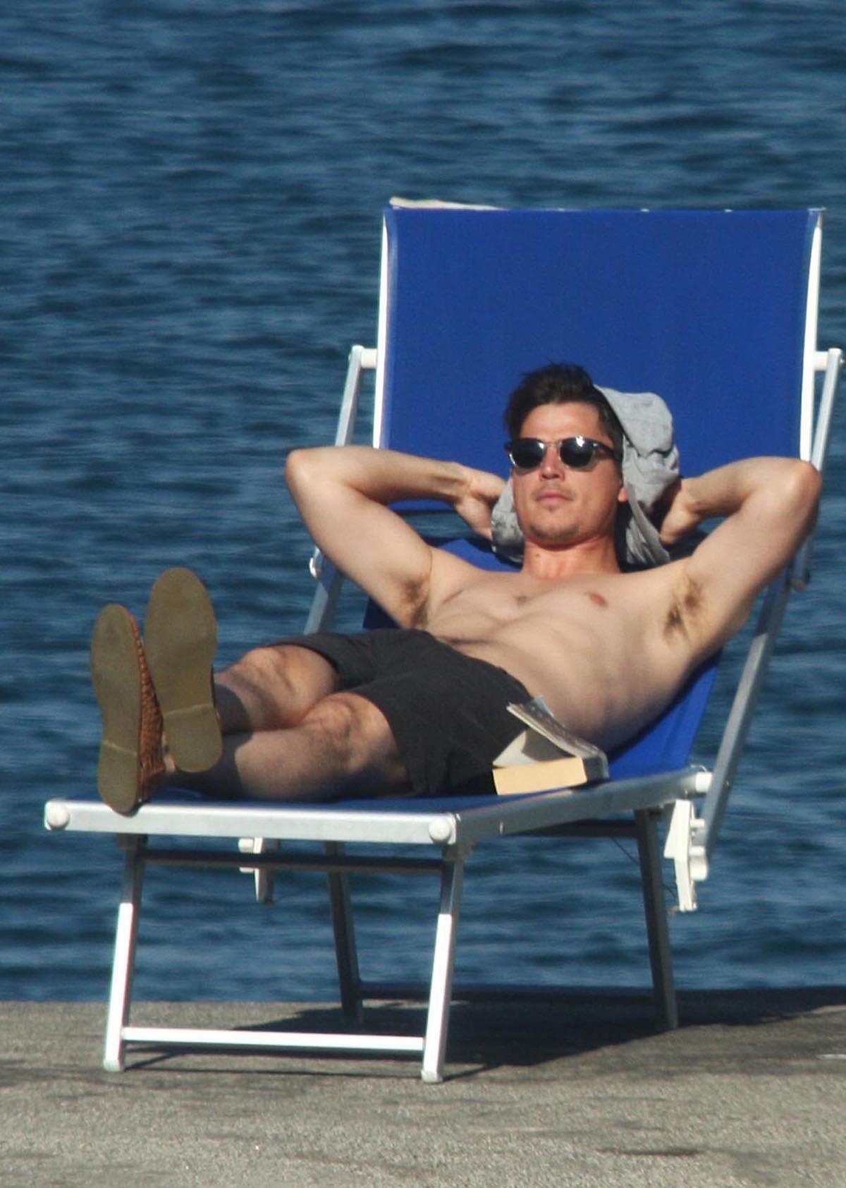 2010 Shirtless Male Celebrity Photo Roundup