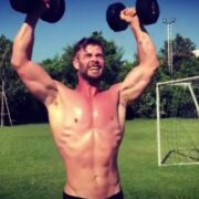Chris Hemsworth shirtless