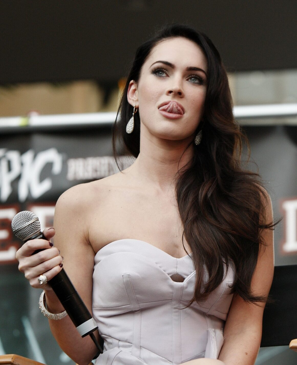 "Megan Fox ""Jennifer's Body"" Hot Topic Fan Event"