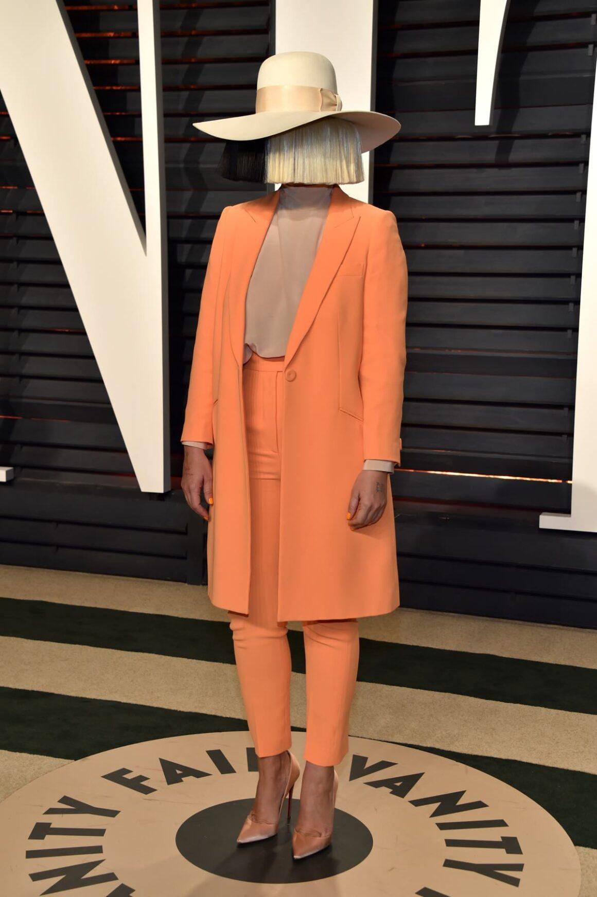 Sia 2017 Vanity Fair Oscar Party Hosted By Graydon Carter - Arrivals