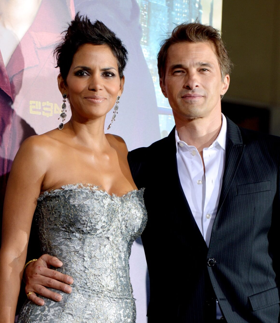 "Halle Berry and Olivier Martinez Premiere Of Warner Bros. Pictures' ""Cloud Atlas"" - Red Carpet"