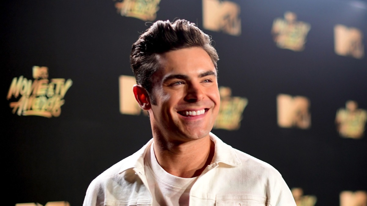 Zac Efron 2017 MTV Movie And TV Awards - Red Carpet