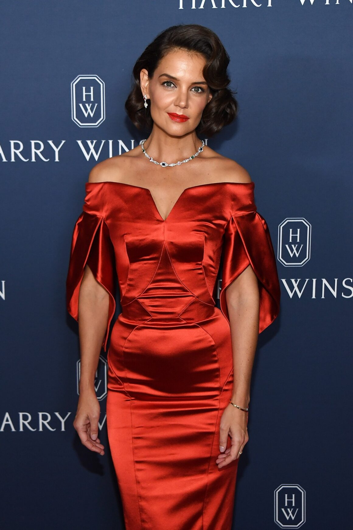 "Katie Holmes Harry Winston Unveils ""New York Collection"""