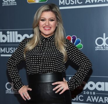Kelly Clarkson 2018 Billboard Music Awards Host Kelly Clarkson Photo Call