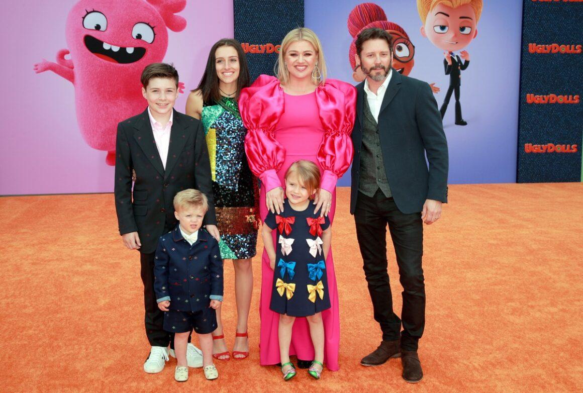 "Kelly Clarkson STX Films World Premiere Of ""UglyDolls"" - Arrivals"