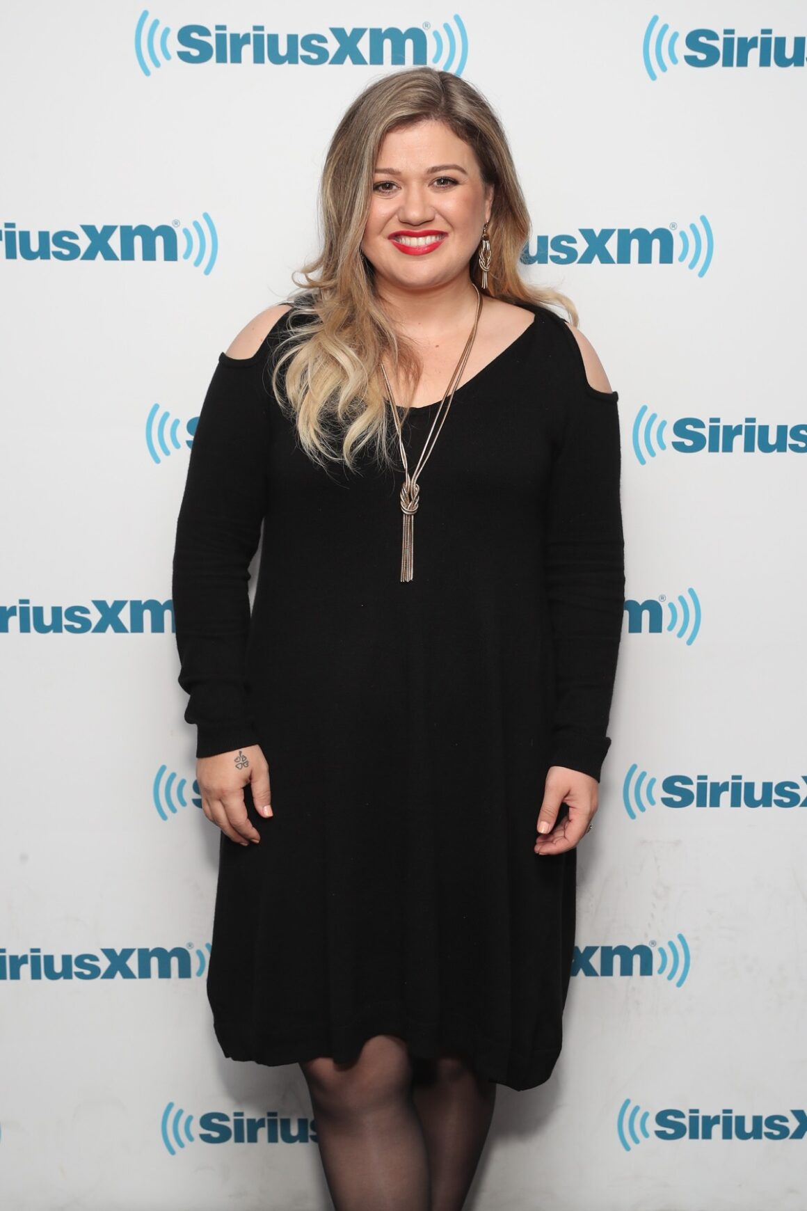 "Kelly Clarkson Jenny McCarthy Launches New Series, ""Inner Circle,"" On Her SiriusXM Show ""The Jenny McCarthy Show;"" First Guest Kelly Clarkson"