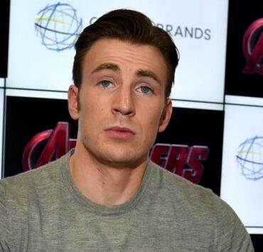 """Chris Evans Marvel's """"Avengers: Age Of Ultron"""" Booth Signing During Comic-Con International 2014"""