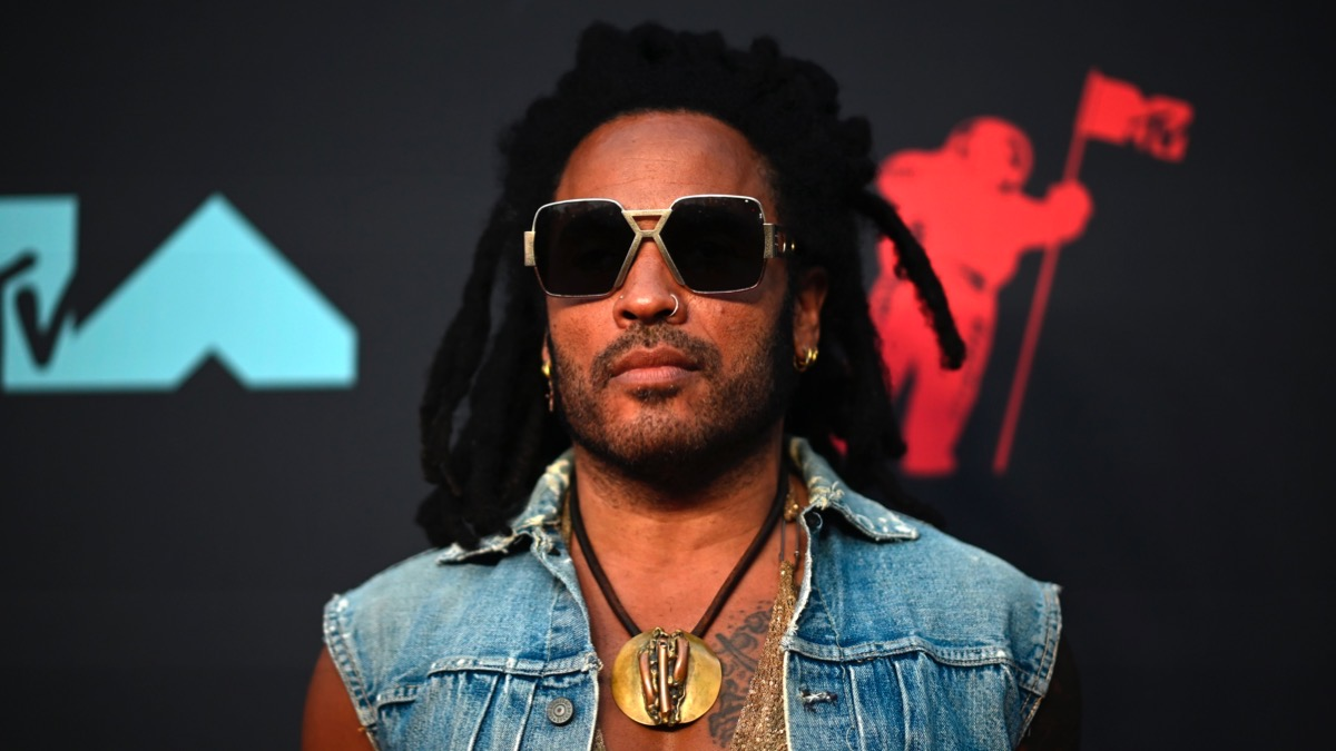 Lenny Kravitz arrives for the 2019 MTV Video Music Awards