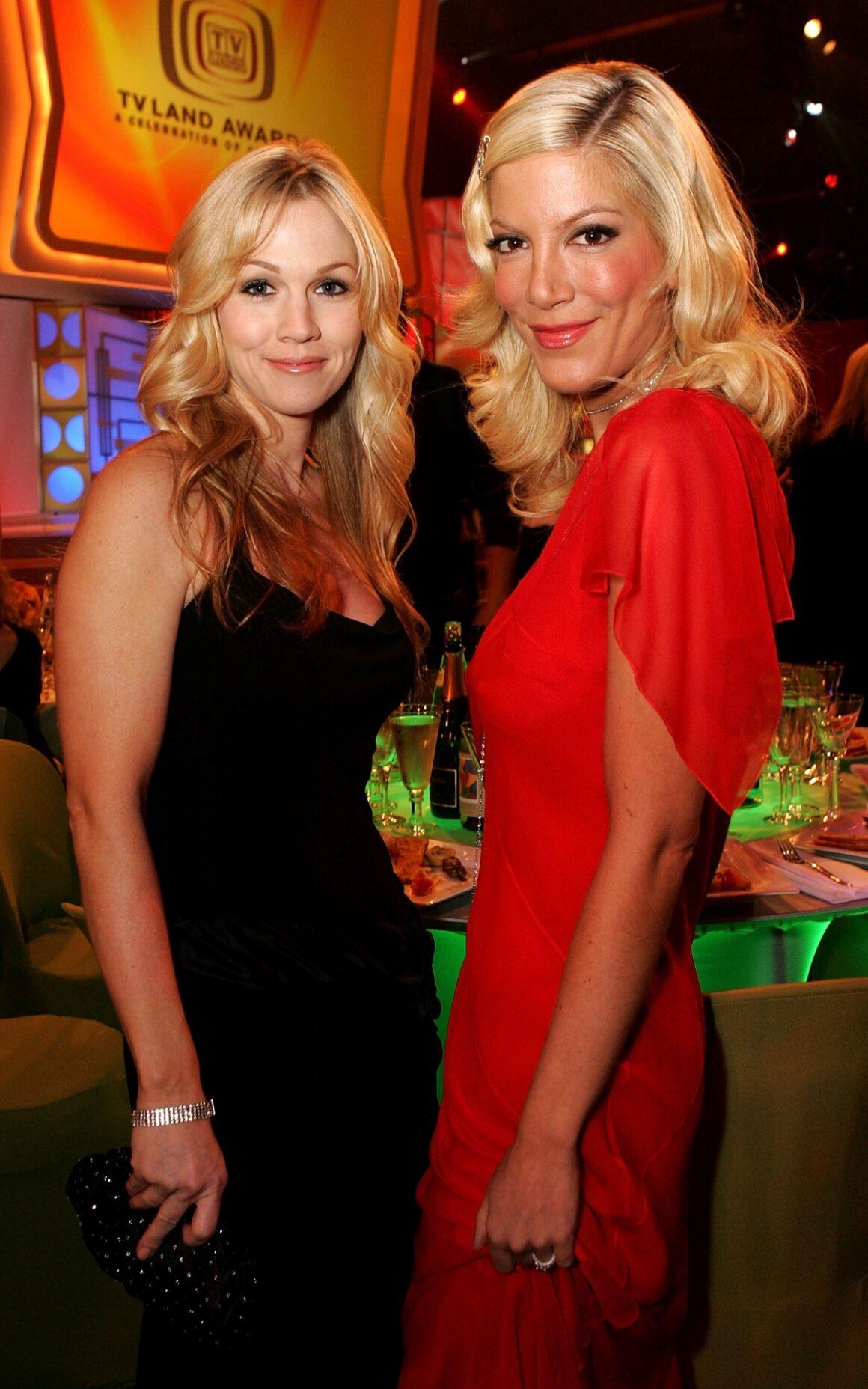 Tori Spelling and Jennie Garth 2005 TV Land Awards - Show