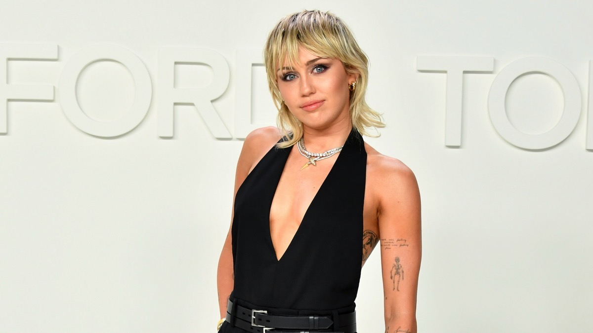 Miley Cyrus 'two weeks sober' after Covid quarantine slip