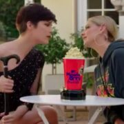 Sarah Michelle Gellar and Selma Blair recreate Cruel Intentions kiss for MTV Movie & TV Awards