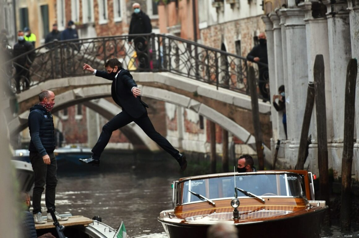 Tom Cruise Mission Impossible 7 set