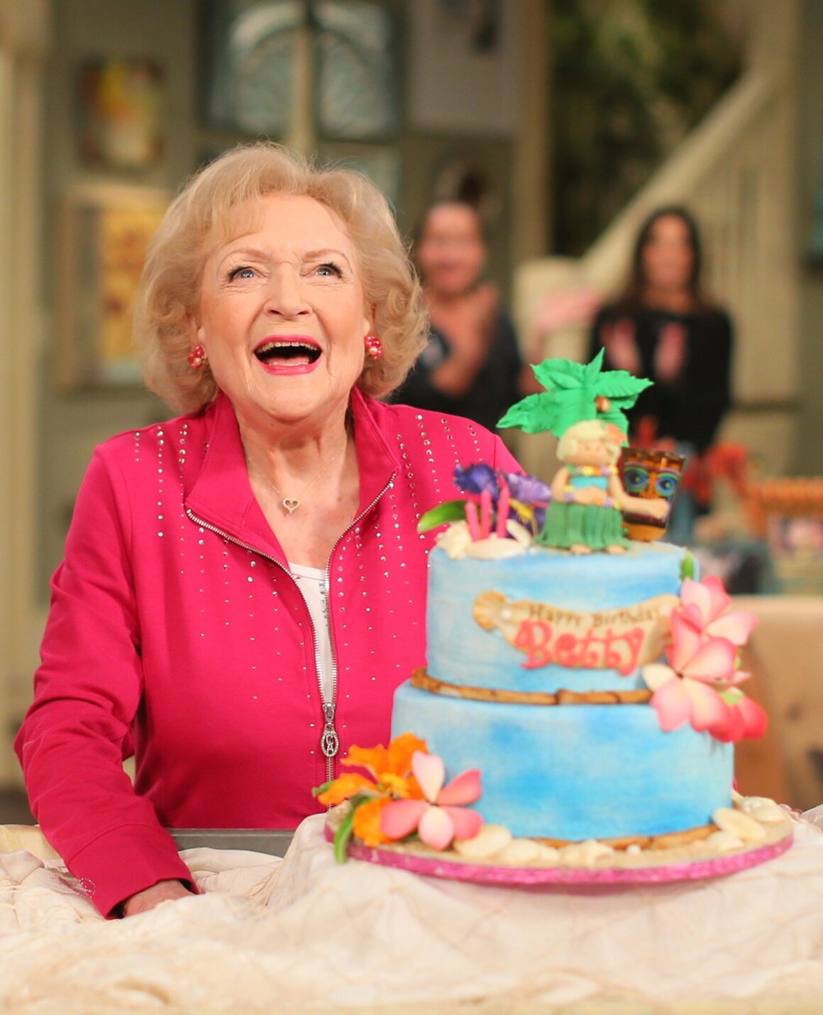 """Betty White Celebrates 93rd Birthday On The Set Of """"Hot in Cleveland"""""""