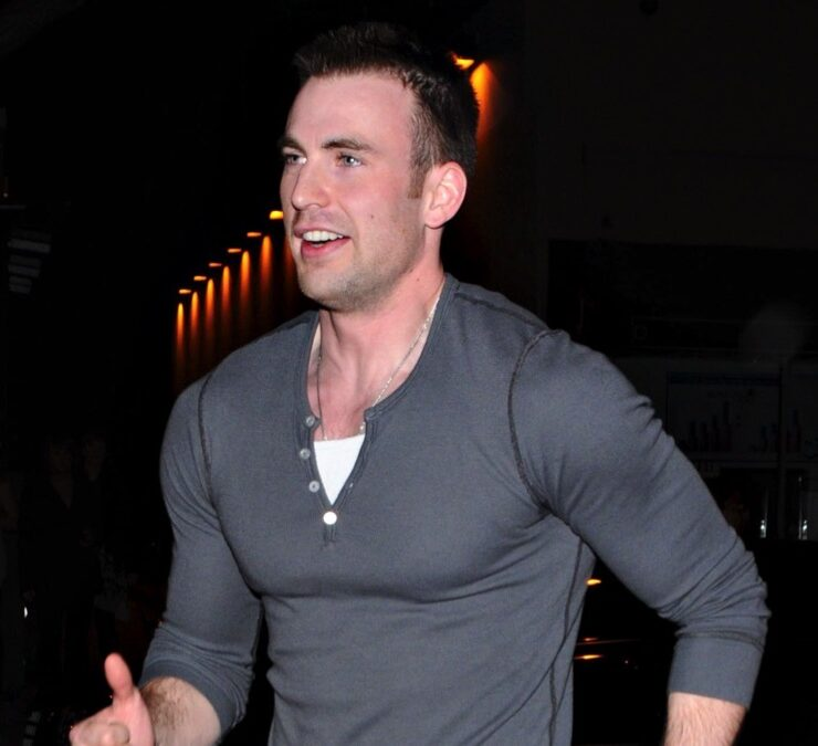 Chris Evans Is A Late Night Runner!