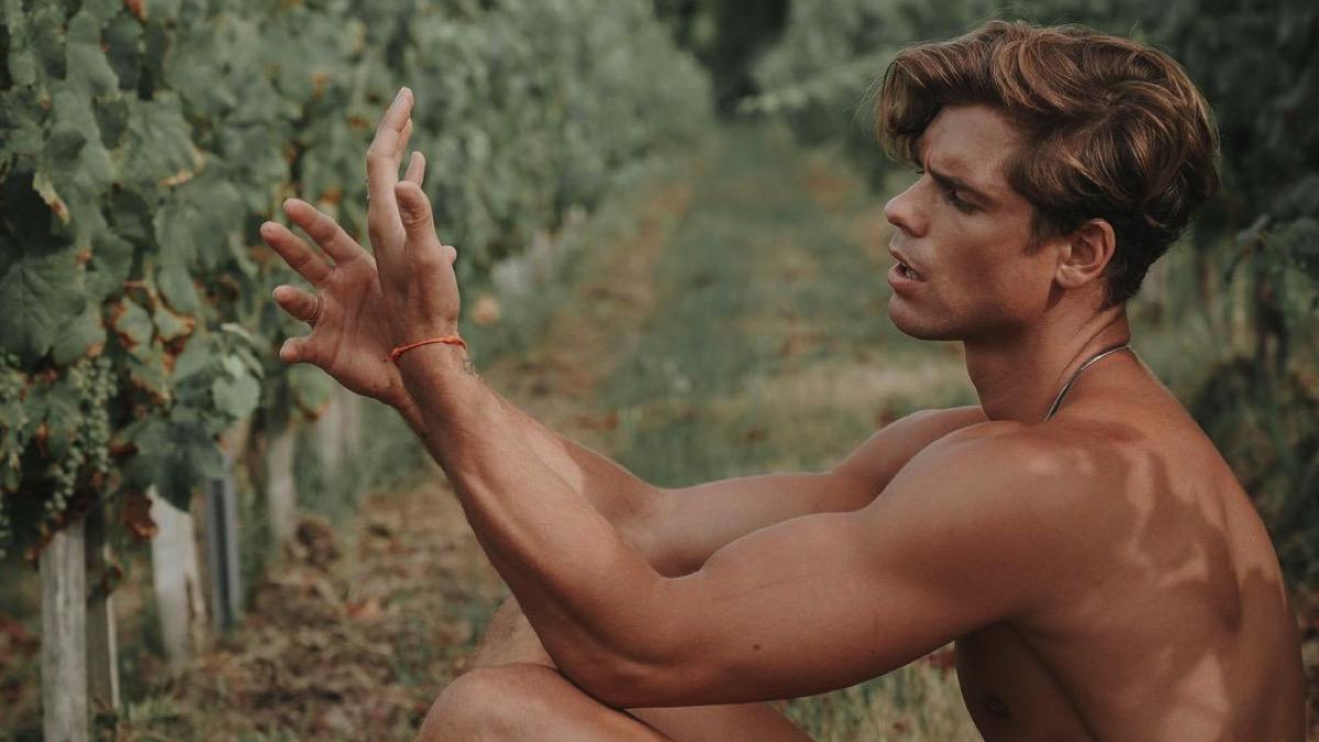 model Giovanni Bonamy